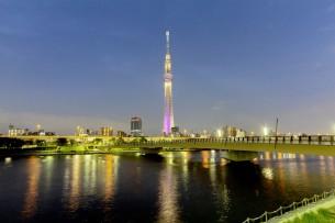 タイトルクリックで本文へ  2012.7.9 東京スカイツリーのライトアップをちゃんと見た事がなかったので前回と同じ桜橋まで行ってきました。